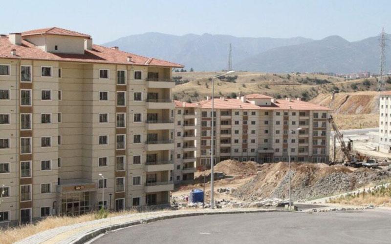 TOKİ Konutları'nda bloklar kayıyor iddiası