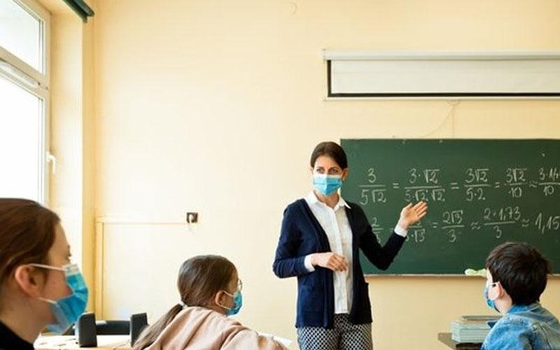 Sözleşmeli öğretmen eşlerin yer değiştirme başvurularında süre uzatıldı