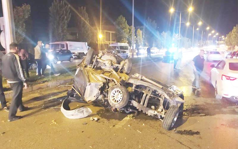Otomobil hurdaya döndü, sürücüsü yaralandı
