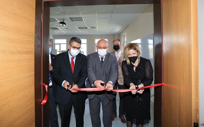 PAÜ'nün restorasyona katkı sağlayacak laboratuvarı Buldan'da açıldı