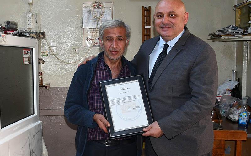 Şevik'ten 3 kahvehane işletmecisine teşekkür belgesi