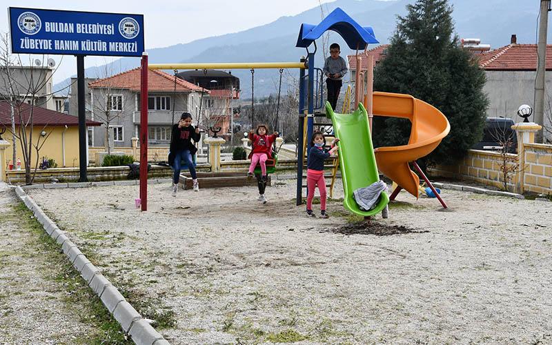 Şevik: Zübeyde Hanım Millet Bahçesi çalışmaları devam ediyor