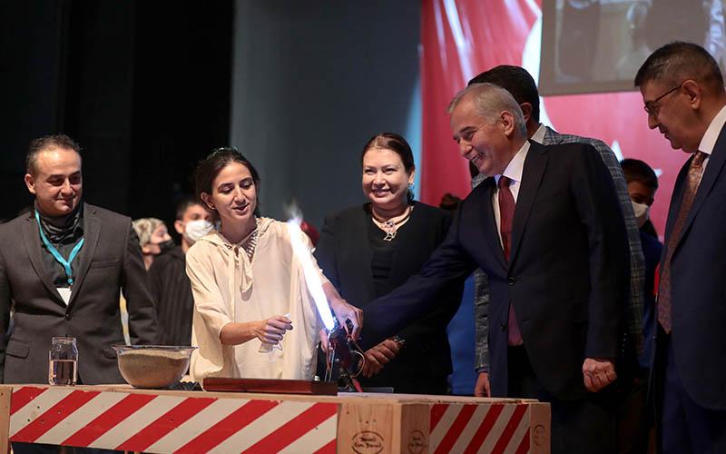Uluslararası Cam Bienali kapılarını misafirleri için açtı
