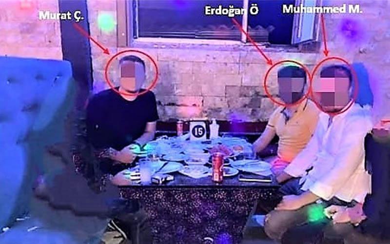 Aranırken paylaştıkları fotoğraf 3 firariyi yakalattı