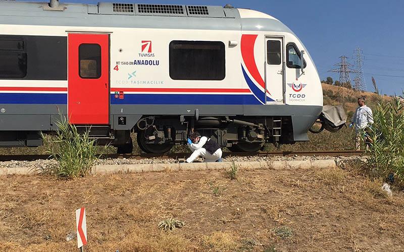 Denizli-İzmir seferini yapan trenin çarptığı kadın öldü