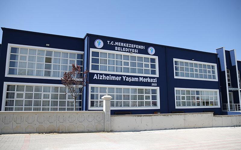 Ailelerden Merkezefendi Belediyesine Alzheimer Merkezi teşekkürü