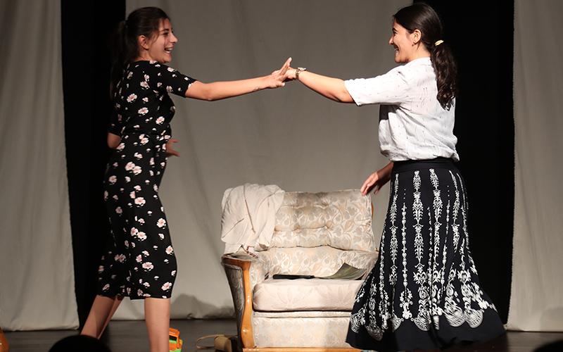 Merkezefendi Kent Tiyatrosu yeni oyuncular arıyor